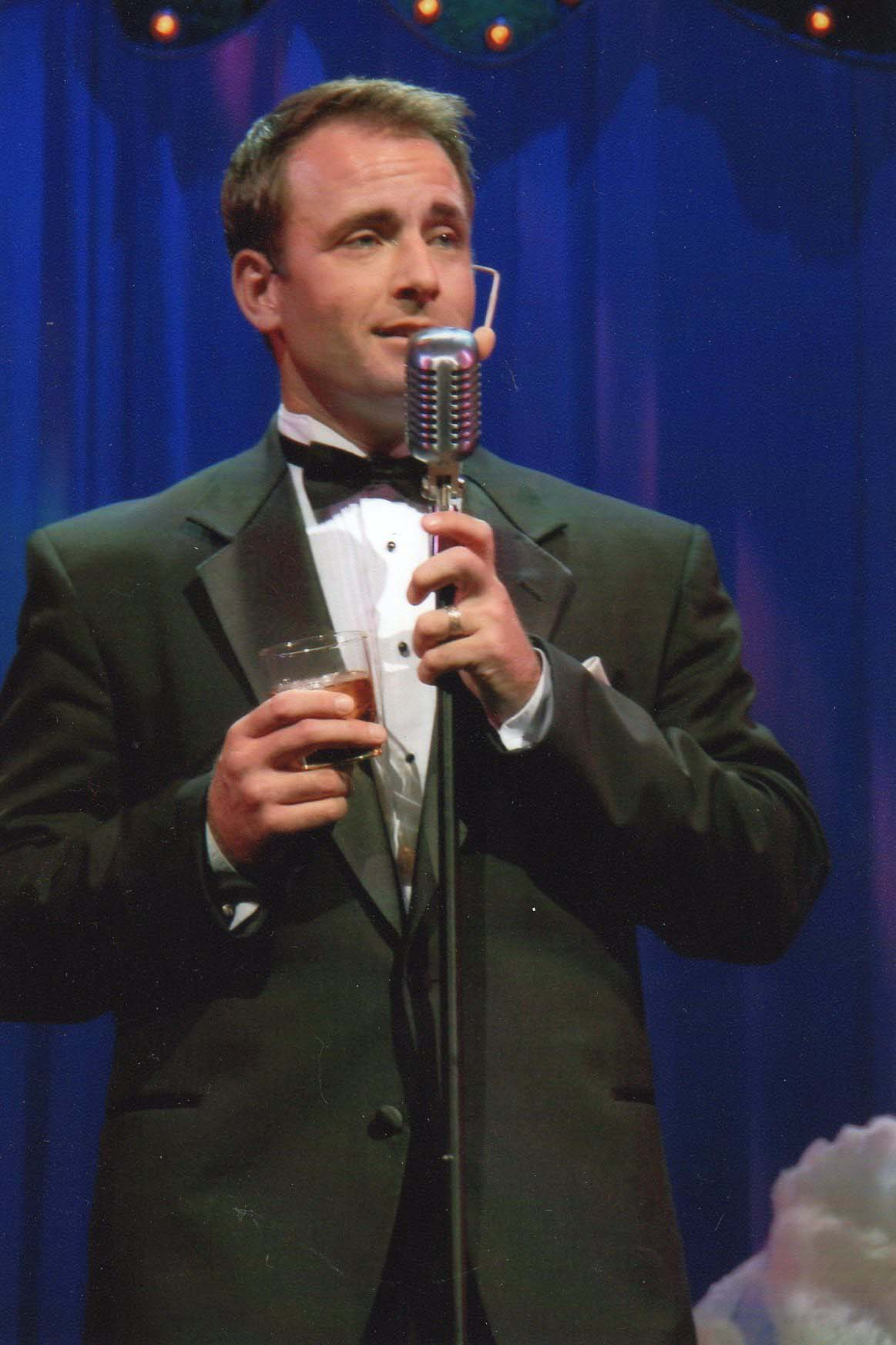 Michael Minor Sings Frank Sinatra
